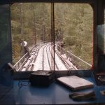 Contemplando la vista desde el tren
