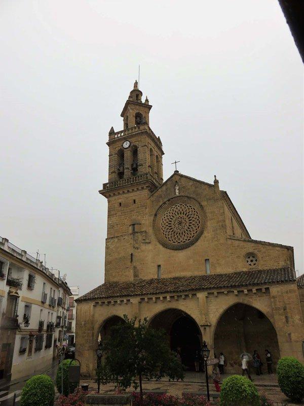 Iglesia de San Lorenzo desde el bus