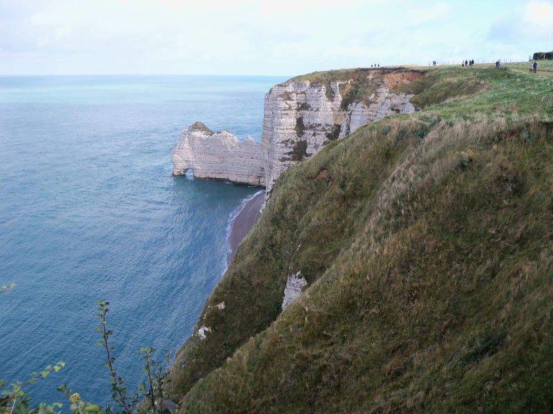 Playa y arco de Falaise d'Amont