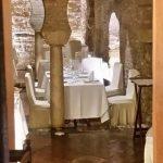 Restaurante San Marco (Mesón del Moro)_ Detalle de arcadas y columnas en Sevilla