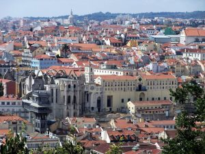 Panorámica general del barrio do Carmo en Lisboa