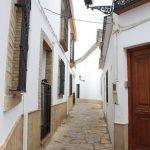 En la calleja de la Paz en Cañete de las Torres
