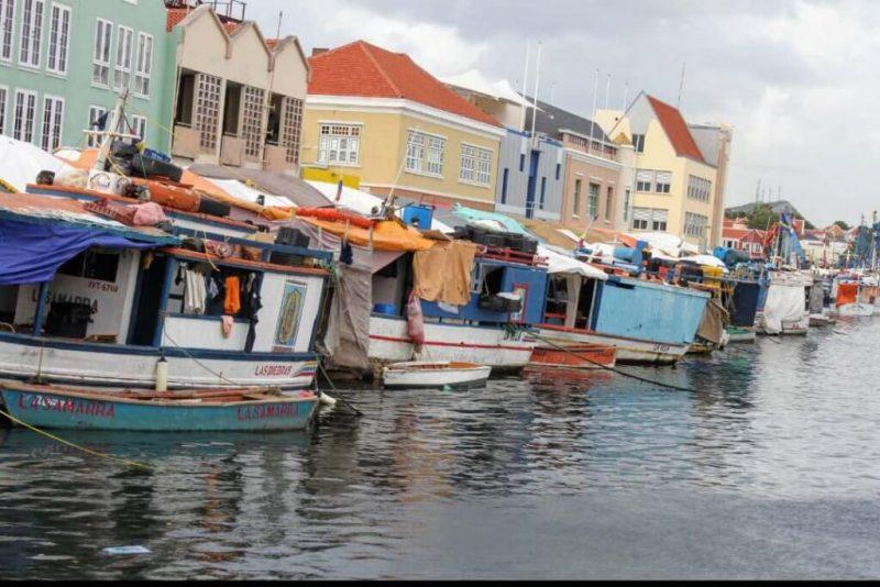 Mercado de las barcas en Curaçao