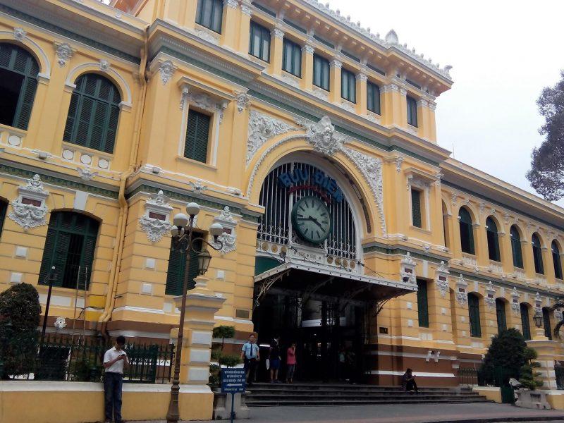 Oficina Central de Correos en Saigón