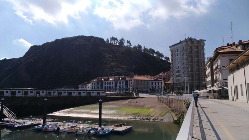 Candás desde el puerto