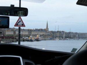 Entrando en Saint Malo en Bretaña