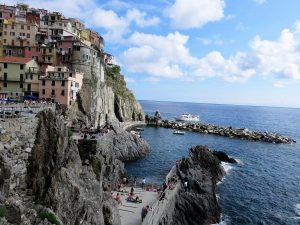 Manarola en la Cinque Terre_ Liguria_Italia