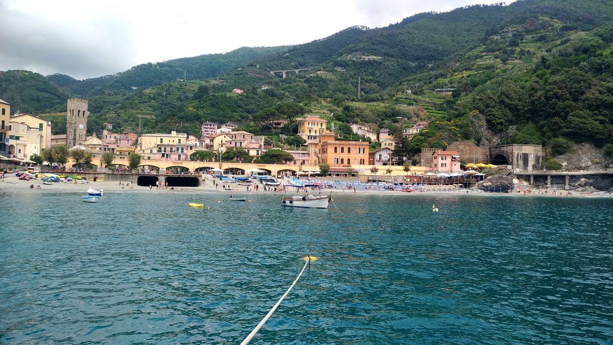 Monterroso al Mare en la Cinque Terre_ Liguria_Italia