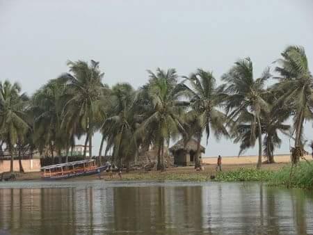 Playa de Gran Popo en Benin