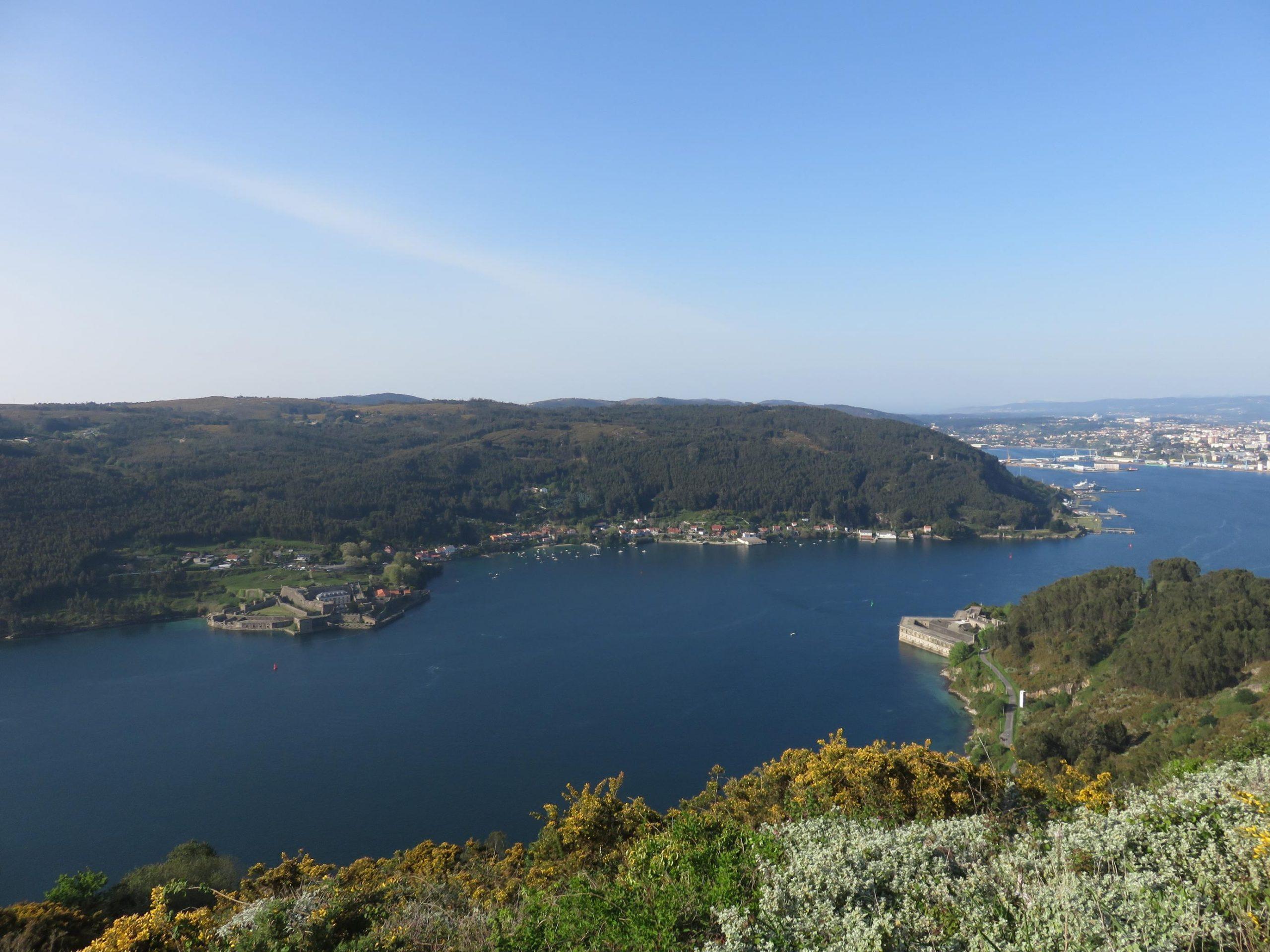 Ría de Ferrol entre castillos
