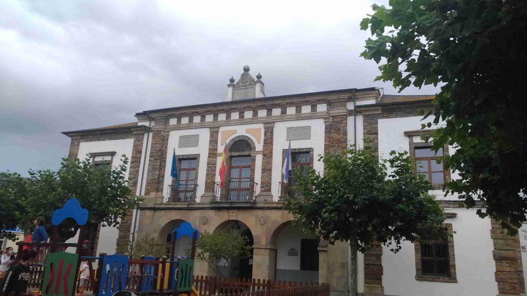 Tapia de Casariego en la marina occidental asturiana