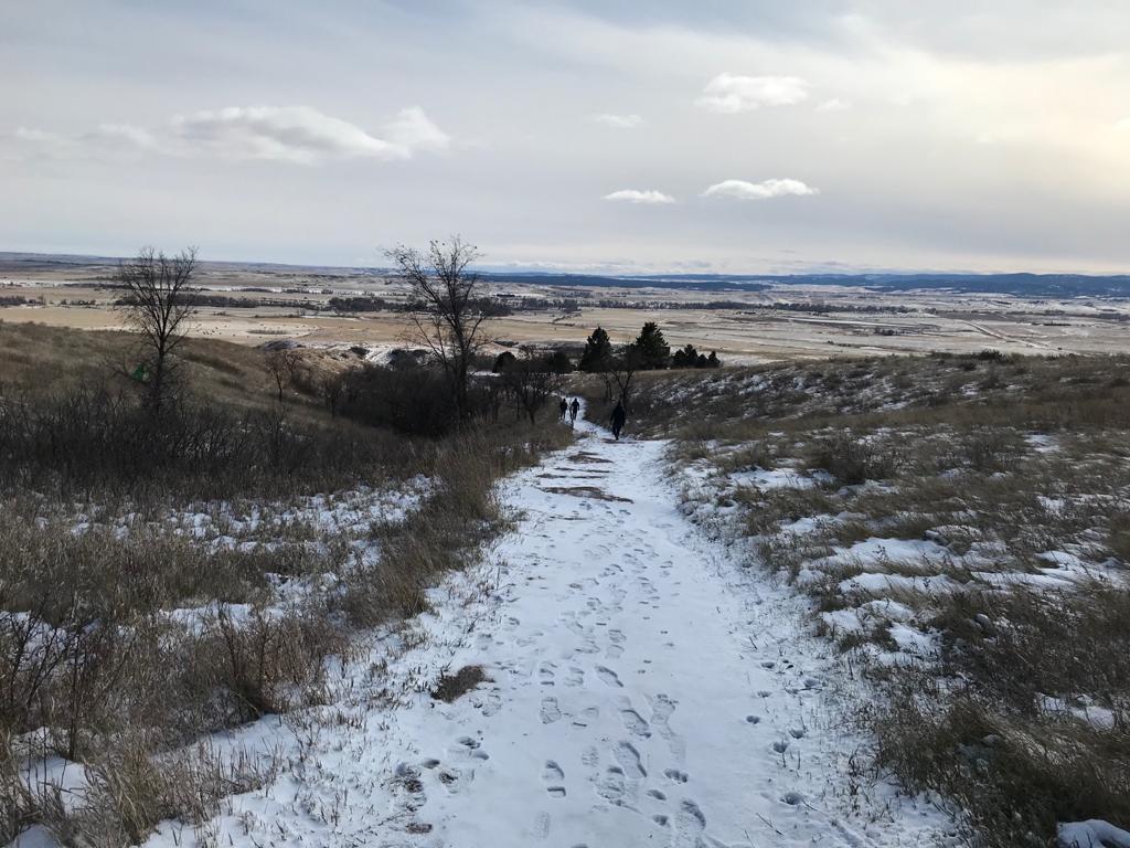 Caminando por Bear Butte State Park