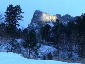 Rushmore Memorial de noche