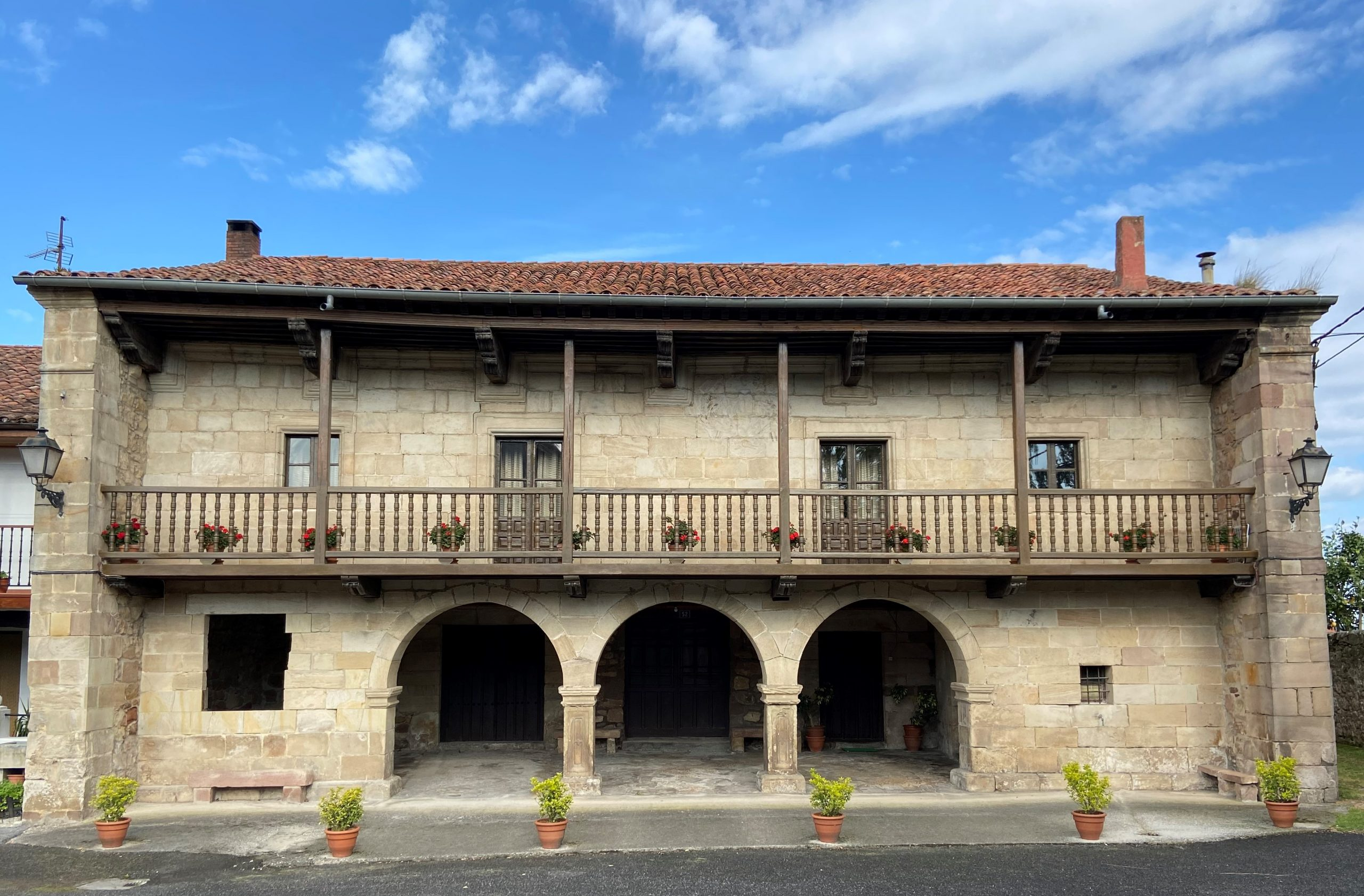 Guía para recorrer Viérnoles en Torrelavega