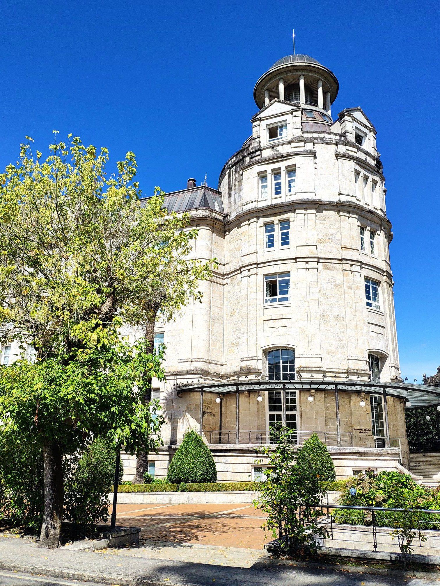 Edificio Palacio en Mondariz Balneario