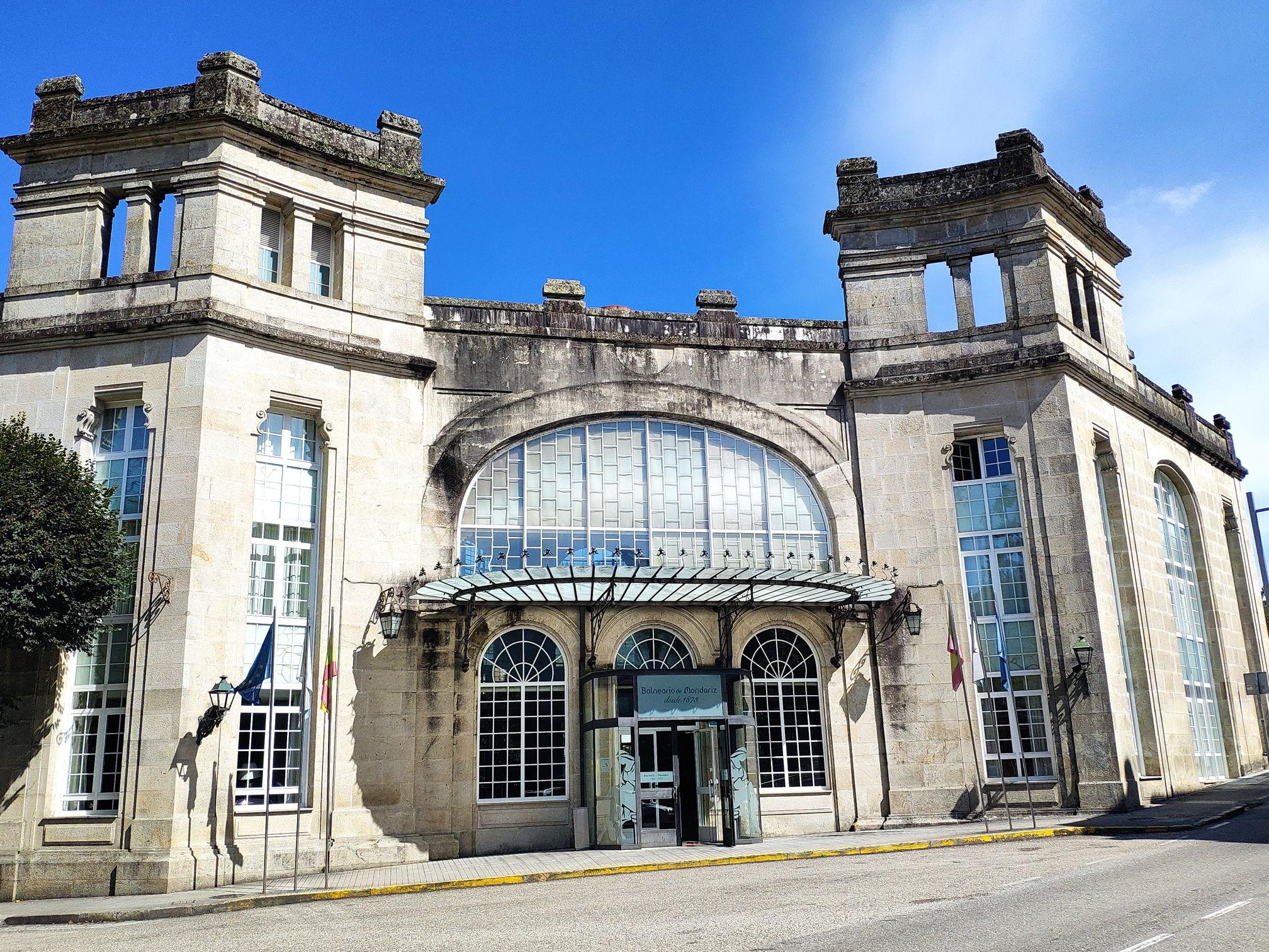 Edificio de la Baranda en Mondariz Balneario